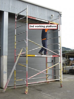 Step 8 - Fitting 2nd working platform (Deck)